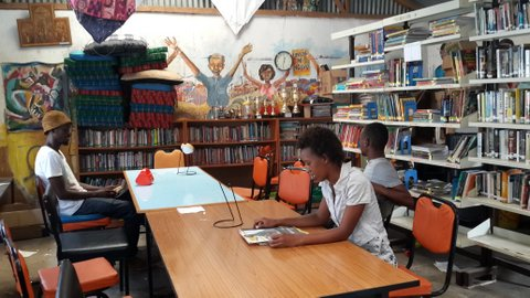 Beautiful Wajukuu Library, brainchild of artist Shabu Mwangi, in Lunga Lunga Slum